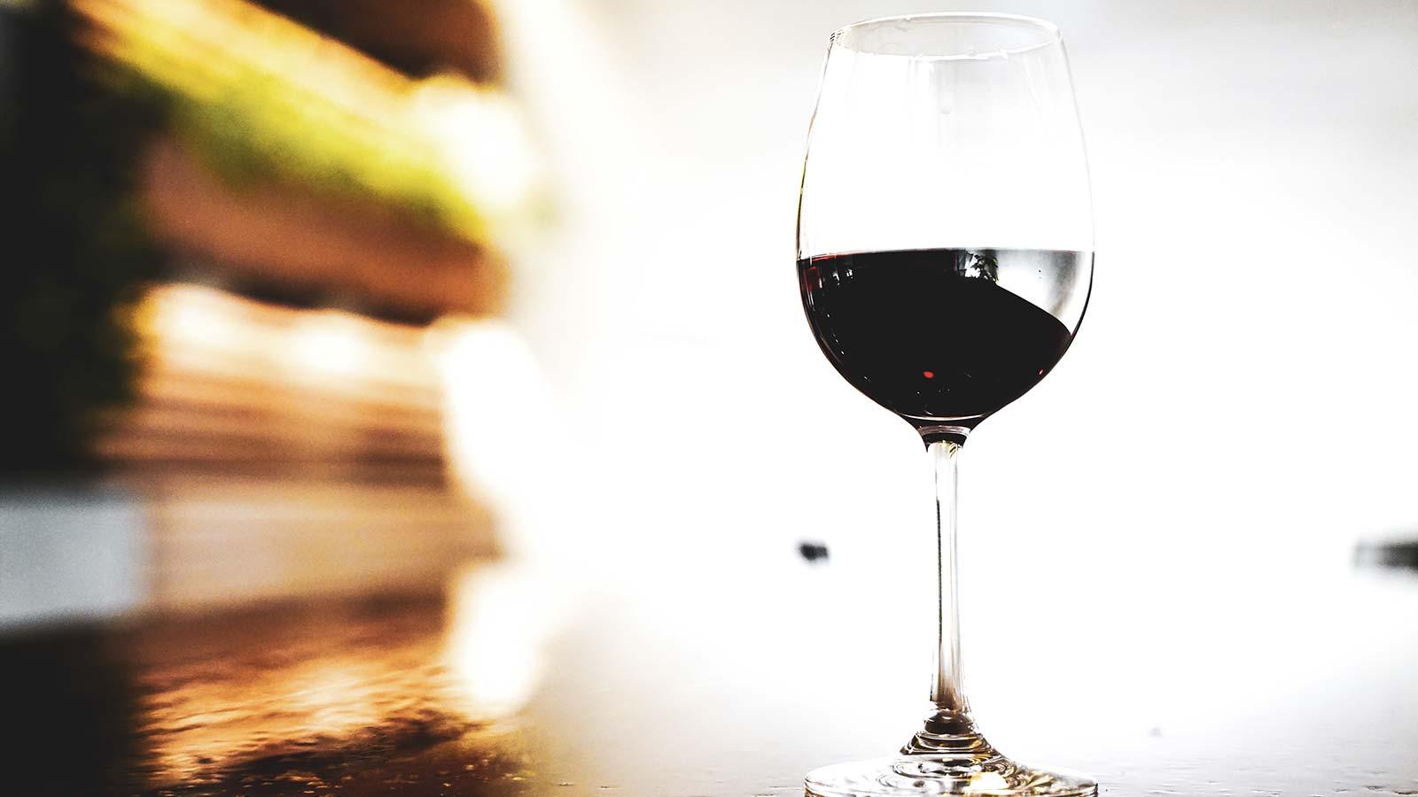 według badań naukowych czerwone wino jest dobre dla zdrowia