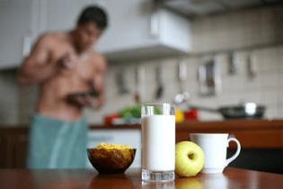 Faut-il manger le soir pour prendre du muscle ?