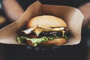 Manger du gras rend-il gras ?