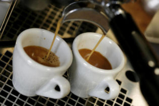 Le café empêche-t-il vraiment  de dormir ?