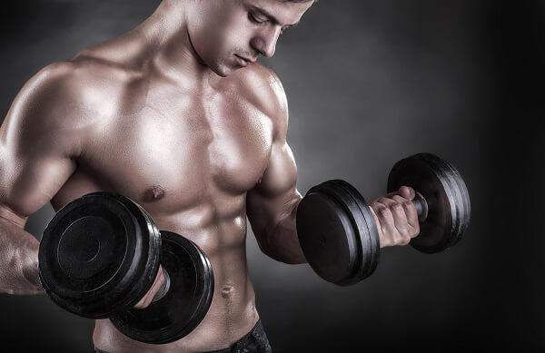 Trening siłowy przeciwko tłuszczowi brzusznemu