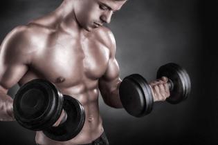 La musculation aiderait à lutter contre la graisse abdominale