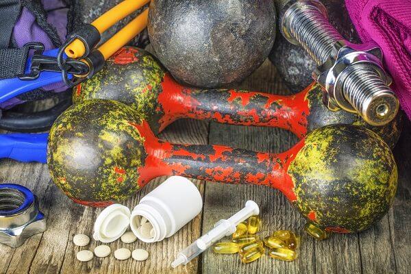 Kulturystyka, suplementy i doping