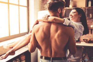 Les hommes costauds sont-ils plus attirants?