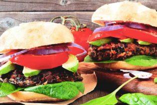 Deux burgers valent mieux que des frites!
