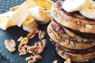 Pancakes banane et noix